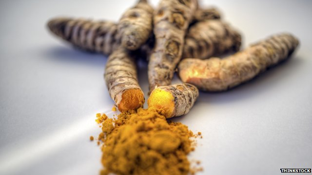 turmeric and ginger picture - turmeric contains aromatic-turmerone which may aid brain cell repair